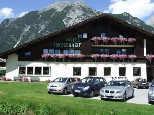 tirolerhof-560280_1280